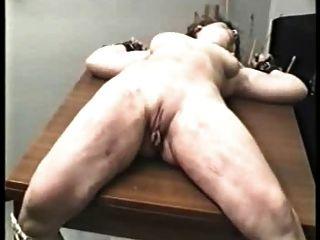 Amateur bdsm Beine breit für schwere Pussy Schlag verbreiten