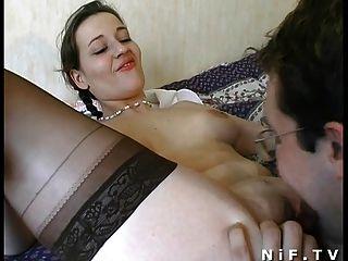 Amateur französisch Paar Sex auf dem Bett haben