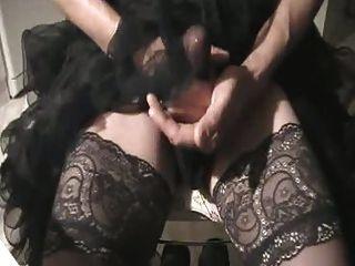 tragen heiße Petticoat, masturbieren und Sperma durch Nylons