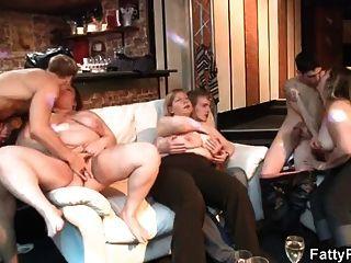 bbw gibt Kopf und bekommt Pussy gefickt