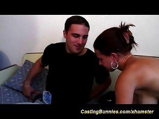 ihre erste anal Casting Video