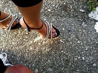 shoejob, Abspritzen Füße und Schuhe