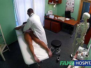 fakehospital schmutzig Milf sexsüchtig wird vom Arzt gefickt
