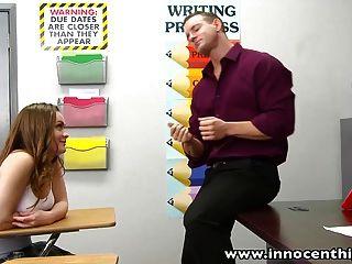 InnocentHigh Redhead Teen monica Anstieg fickt geile prof