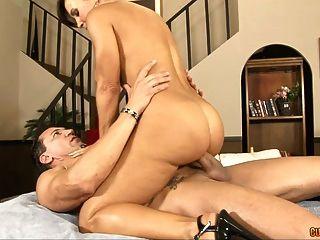 hot sex Massage mit großen Titten
