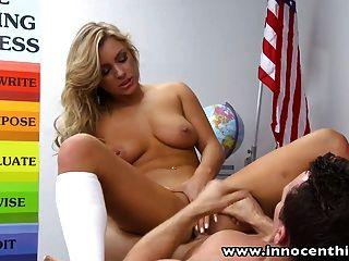 InnocentHigh blonde Schülerin Teen cameron dee fickt teache