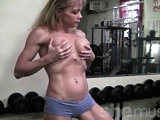 reifen Muskel in der Turnhalle