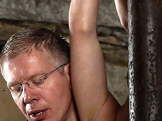 bdsm Sklavenjungen gefesselt und gemolken schwule jungs