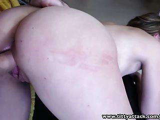 tittyattack natürlich vollbusige Babe bekommt einen guten Fick mit einem großen