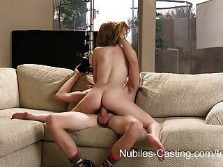 nubiles Gießen - kann er sie vor der Kamera zu ficken überzeugen?