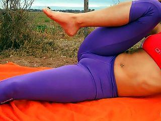 erstaunliche Körper jugendlich Stretching. große cameltoe, big ass, Lycras