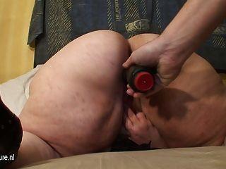 Big Mama bekommt eine spezielle warme Überraschung