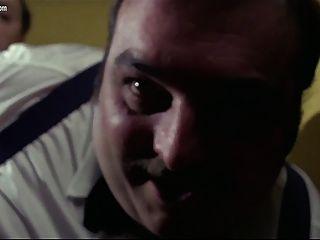 Edwige Fenech - eine Polizistin auf der Porno-Kader