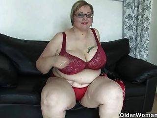 reifen bbw mit massiven Titten masturbiert