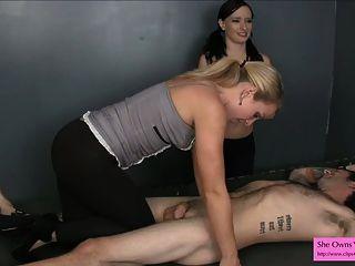 prep einen neuen Sklaven für die Kastration Domina Handjob Spandex