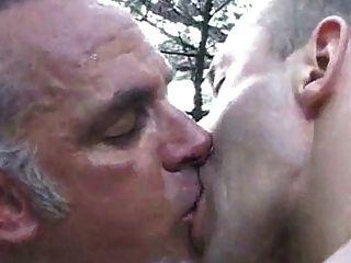 Rendezvous in den Dünen mit gegerbtem Papa
