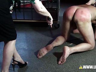 Hamburgs feinsten Folter von zwei Mätressen bestraft