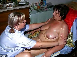 mollig Oma und Fett MILF masturbiert mit einem Dildo