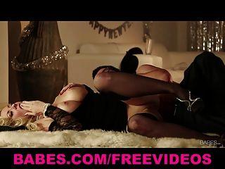 blonde Courtney Love hat leidenschaftlich neue Vorabend Sex Jahren