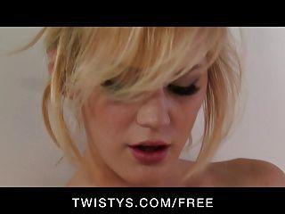 twistys - sexy natürlich tit blonde spielt mit ihrem Dildo