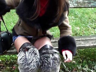 kürzeste microskirt und furfetish Overknee-Stiefel & upskirt
