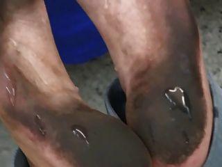 footjob schmutzigen Füße