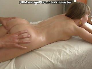 nette Mädchen erotische Massage und geduldig gefickt