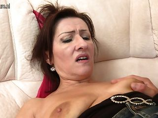 hot reifen Mutter von ihrem kleinen Jungen gefickt