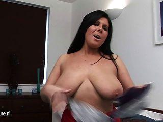 vollbusigen Hausfrau immer frech