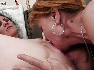 Großmutter teilen ihre lesbische expirience mit jüngeren