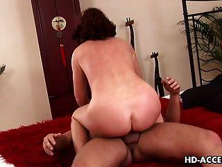 sexy esmeralda schlug schön hart