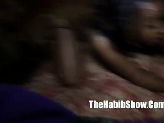 Pussy essen Lesbo-Liebhaber lecken Pussy Mutter