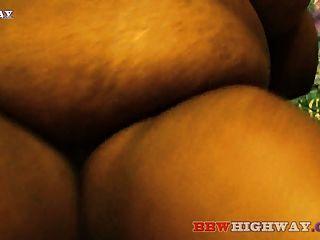 Fett Ebenholz BBW mit großen Titten saugt großen schwarzen Schwanz