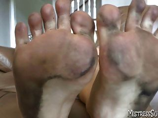 schmutzigen Füße für fußanbetung und Fußfetisch Freaks