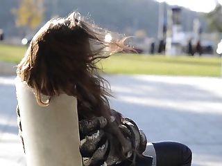 julie skyhigh Oberschenkel hohe Stiefel Jeans zeigt Titten öffentliche Nackt