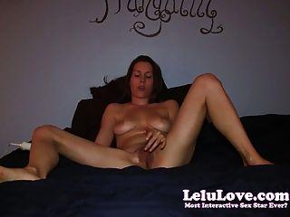 Amateur-Mädchen masturbiert bis 2 Zehen Curling Orgasmen im Bett!
