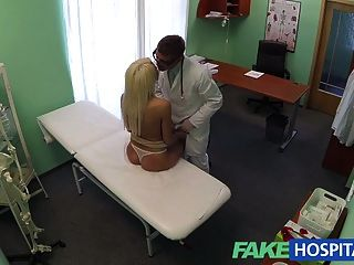 fakehospital Ärzte Empfehlung hat sexy blonde zahlen t