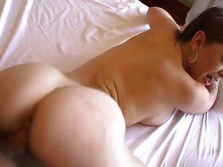 fantastisches Mädchen energisch Sex