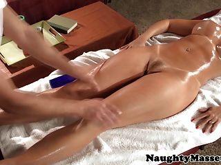 Rotschopf pornstar janet mason sucks dick