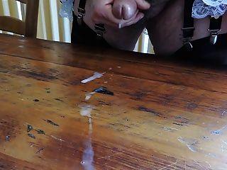 Sissy ray nimmt ein weiteres große Last von heißen Sperma