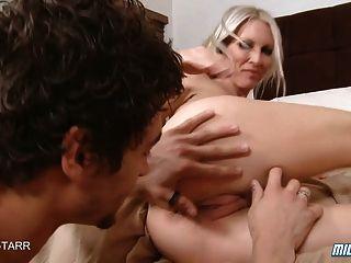 hot blonde Milf emma starr bekommt ein Creampie