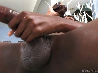 schwarz Transvestiten mit riesigen Schwanz und hungrigen Arsch