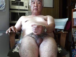 japanisch alte Mann Masturbation Ejakulation in der Küche