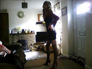 DWT in sexy schwarzen Kleid