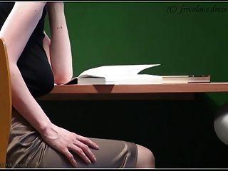 kein BH in der Bibliothek