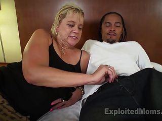 nuttig wird von dirty talk auf blonde Oma gedreht