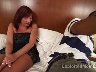 sexy Amateur MILF bekommt teabagged und liebt es