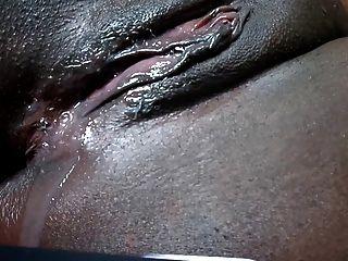 schwarzen Pussy tropft nach abspritzen