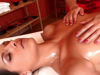 Milf erotische Massage