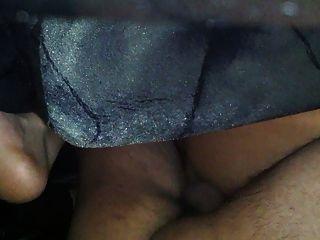 Mädchen bekommt ihre Muschi mit Sperma gefüllt